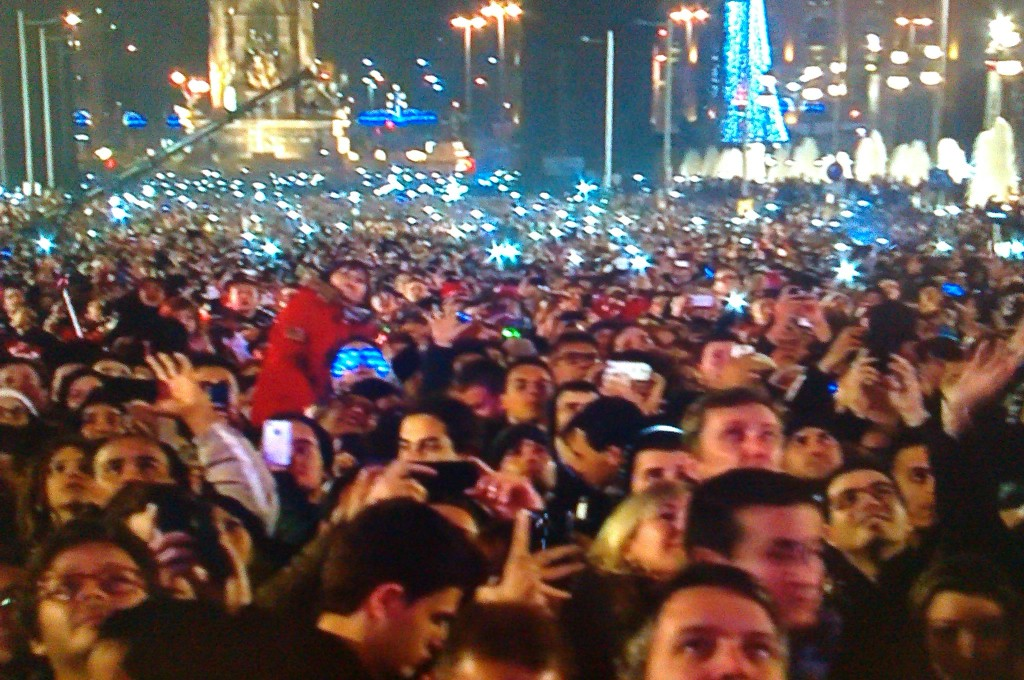 new_year_barcelona_people